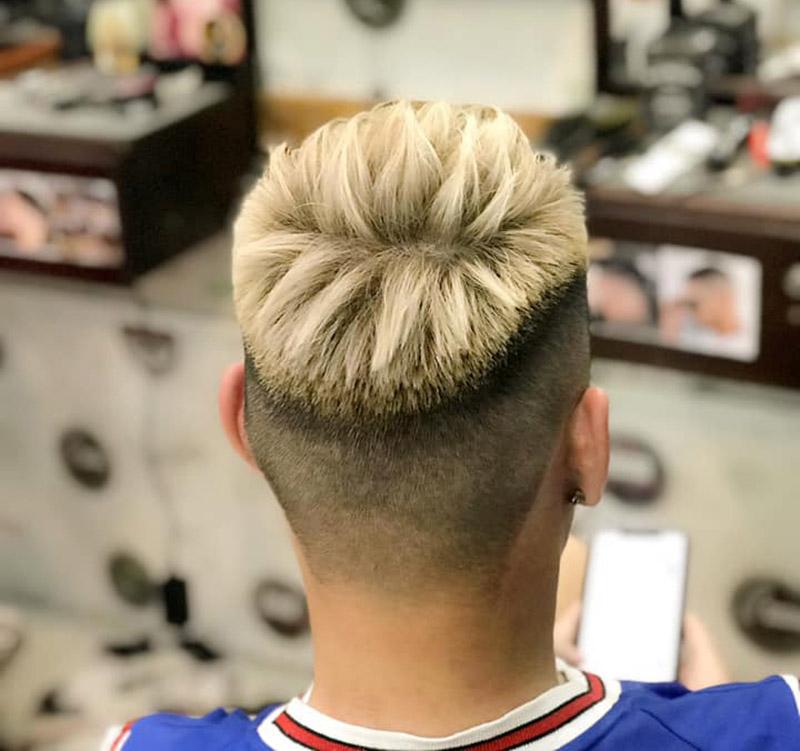 Kiểu tóc Mohican nhuộm Bạch Kim