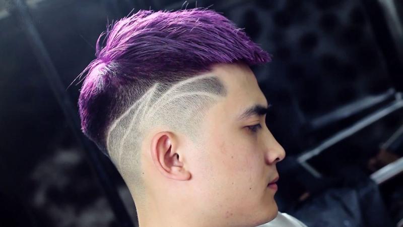 Kiểu tóc Mohican nhuộm tím