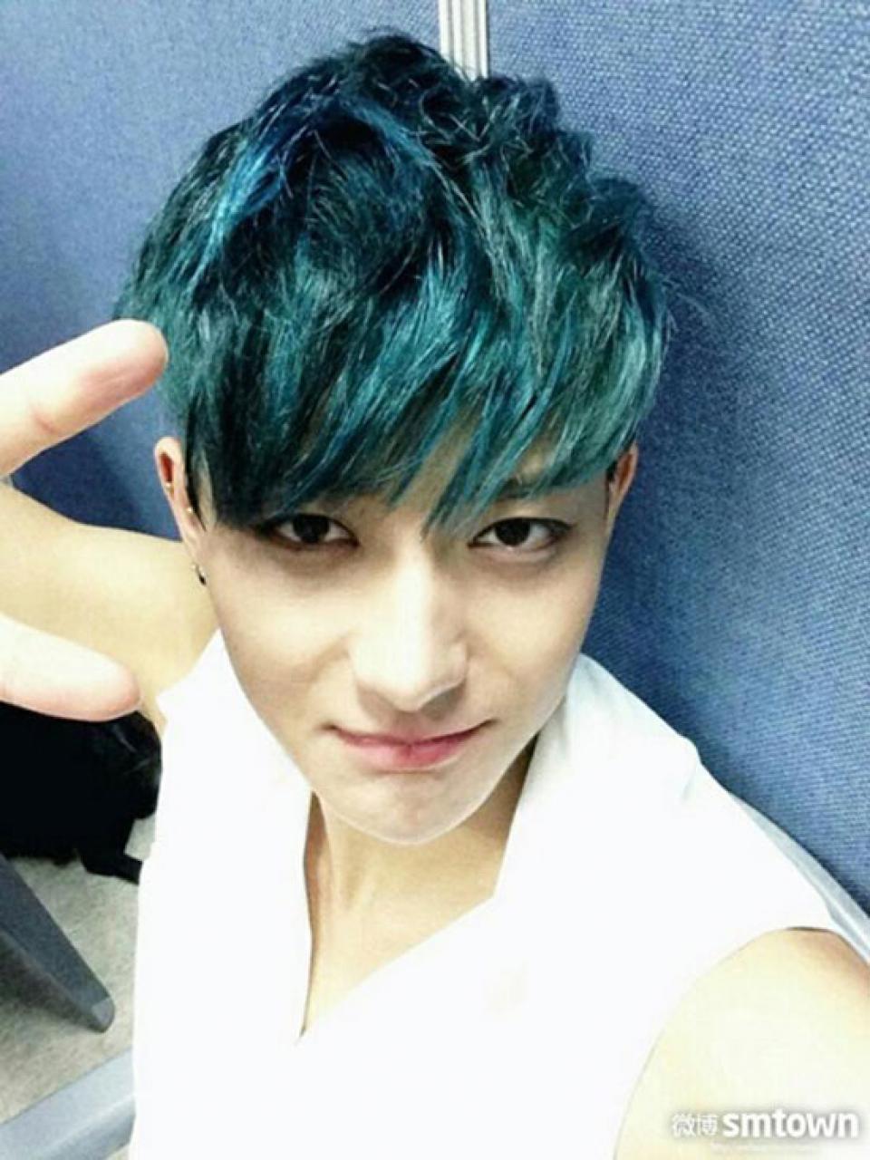 màu tóc nam xanh rêu đẹp