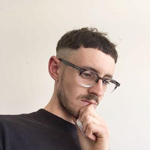 Kiểu tóc Đầu Nấm cạo sát