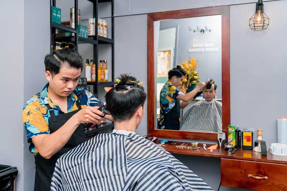 Cắt tóc tại Mane-Man Barber House